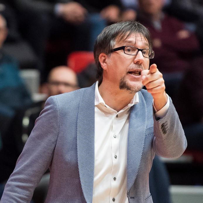 New Heroes-coach Silvano Poropat.