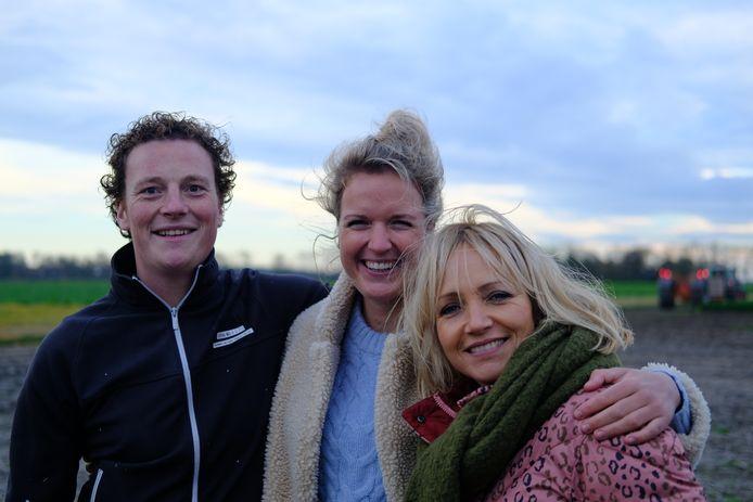 Boer Wim met zijn Marit en presentatrice Yvon Jaspers van Boer Zoekt Vrouw.