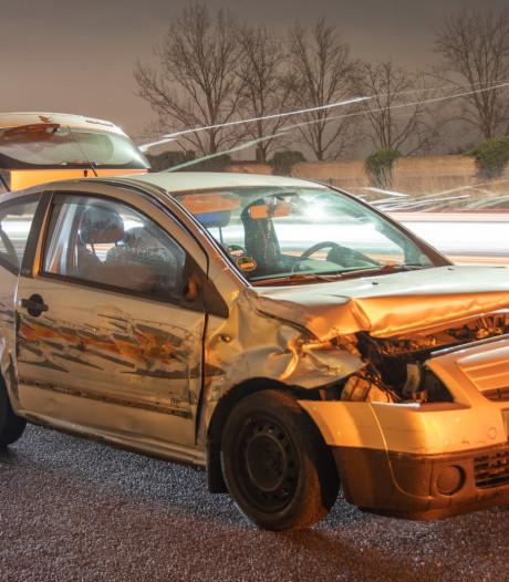 Afrit A12 bij Harmelen weer vrij na botsing tussen auto en vrachtwagens