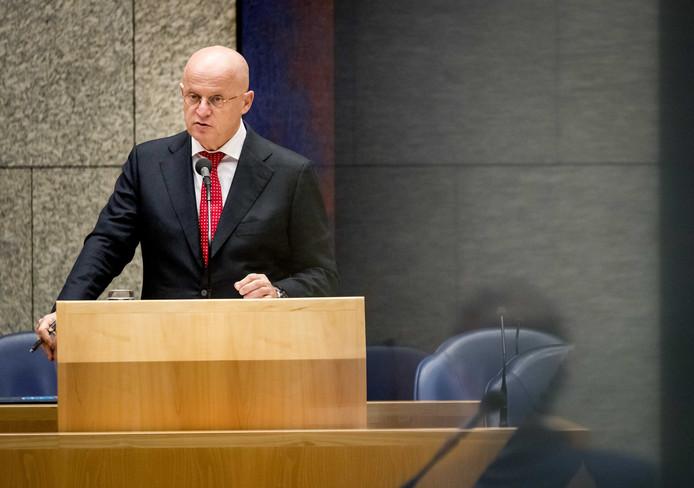 Grapperhaus tijdens het vragenuurtje in de Tweede Kamer.