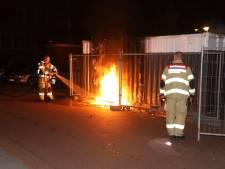 Jerrycans in brand gestoken op Eusebiusplein in Arnhem
