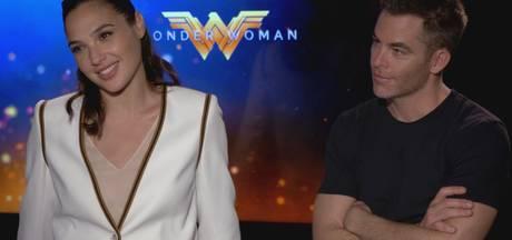Doutzen maakt verpletterende indruk op set Wonder Woman