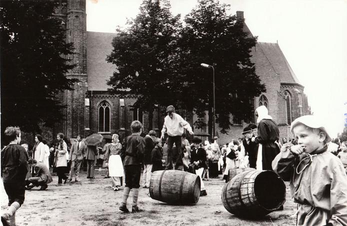 Kinderfeesten op Pieter Breughelplein in Breugel, september 1972.