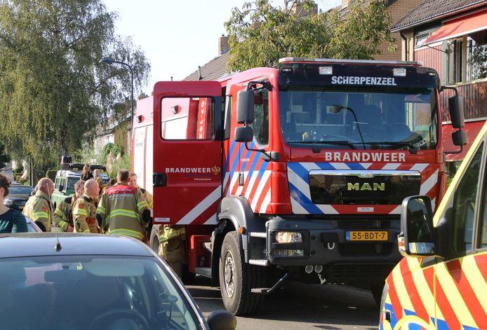Buurtbewoners hoorden het brandalarm van de man afgaan.