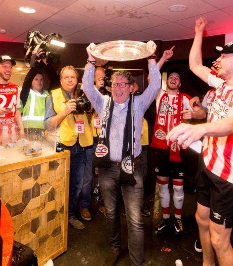 Wim Rip gaat voor nieuw leven na PSV: 'Dat ik de schaal omhoog mocht houden, was een prachtig gebaar van Cocu'