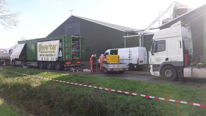Bij dit bedrijf in Puiflijk worden 100.000 leghennen geruimd nadat er vogelgriep is aangetroffen.