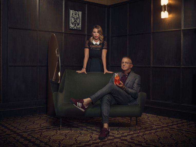 Een foto uit het boek: Jan en Hannah Van Ongevalle tonen trots hun Eté Anisé.