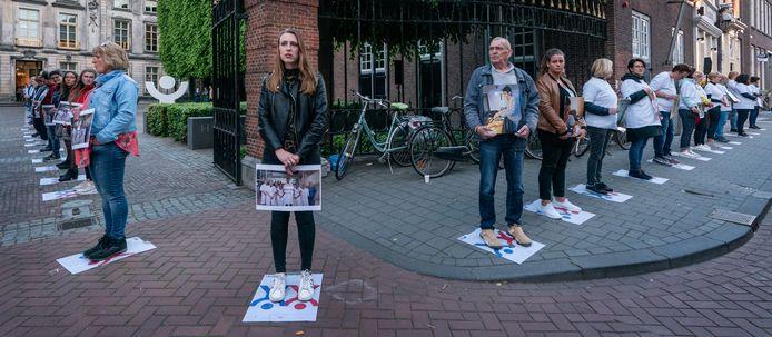 In het centrum van Den Bosch werd vorig jaar tijdens de tv-show 'Nederland staat op tegen kanker' een lint gevormd. Ook in Gorinchem zou zo'n lint komen, maar de tv-show is uitgesteld als gevolg van de maatregelen tegen het coronavirus.