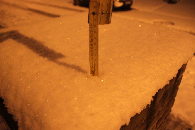 Om half 8 werd een sneeuwlaag van 9 centimeter gemeten.