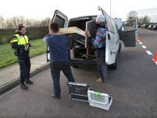 Politie zoekt naar illegaal vuurwerk tijdens controle op de A12 bij Duiven