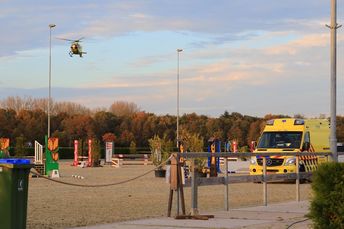 Er werd een traumahelikopter ingeschakeld.