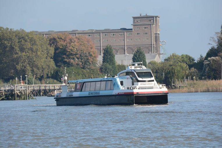 De Waterbus vaart vanaf maandag ook naar het noorden, richting haven.