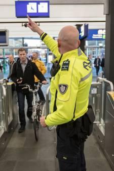 Vier aanhoudingen en 77 bekeuringen bij actie tegen overlast op station en in centrum Eindhoven