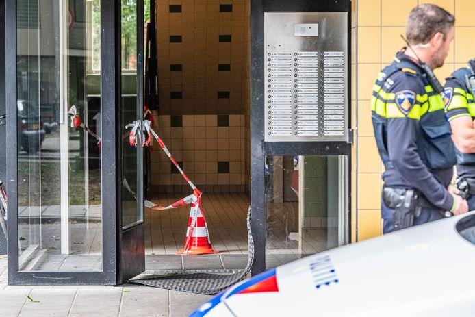 Een vrouw heeft mogelijke een man neergestoken aan de Frans Lisztstraat in Tilburg.