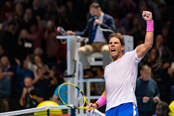 Mené 4-0 dans la manche décisive, Rafael Nadal est parvenu à s'imposer face à Medvedev au Masters. Une sublime remontée.