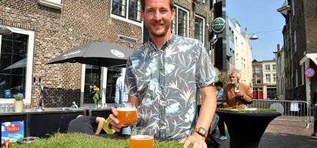 Bier en bloemen zijn een prima combi tijdens Dordts lentebierfestival