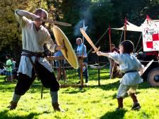 Middeleeuws zwaardvechten op het Archeologiefestival in Maarssen