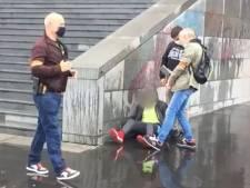 Attaque à Paris: l'assaillant a reconnu être âgé de 25 ans et non 18