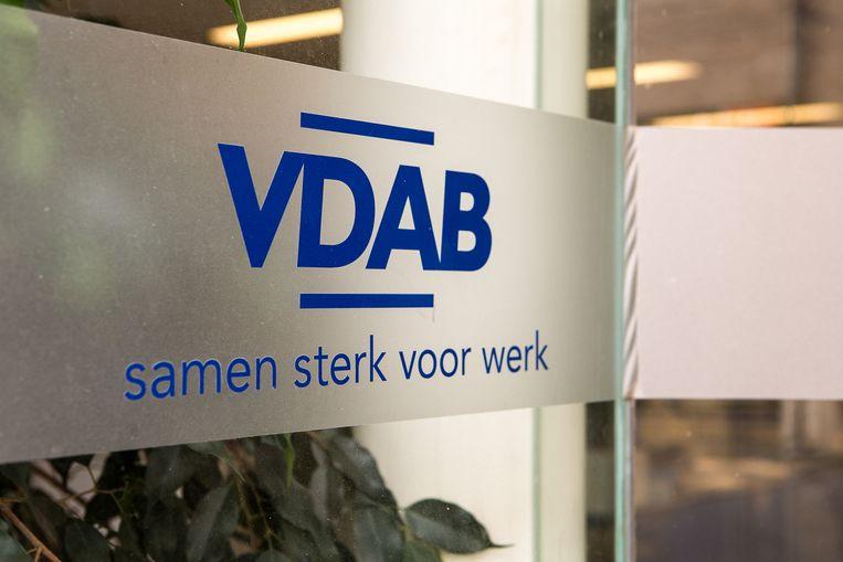 Wie door de VDAB wordt doorverwezen om te solliciteren bij een bedrijf, maakt merkelijk minder kans om uitgenodigd te worden voor een gesprek dan kandidaten die zelf solliciteerden.