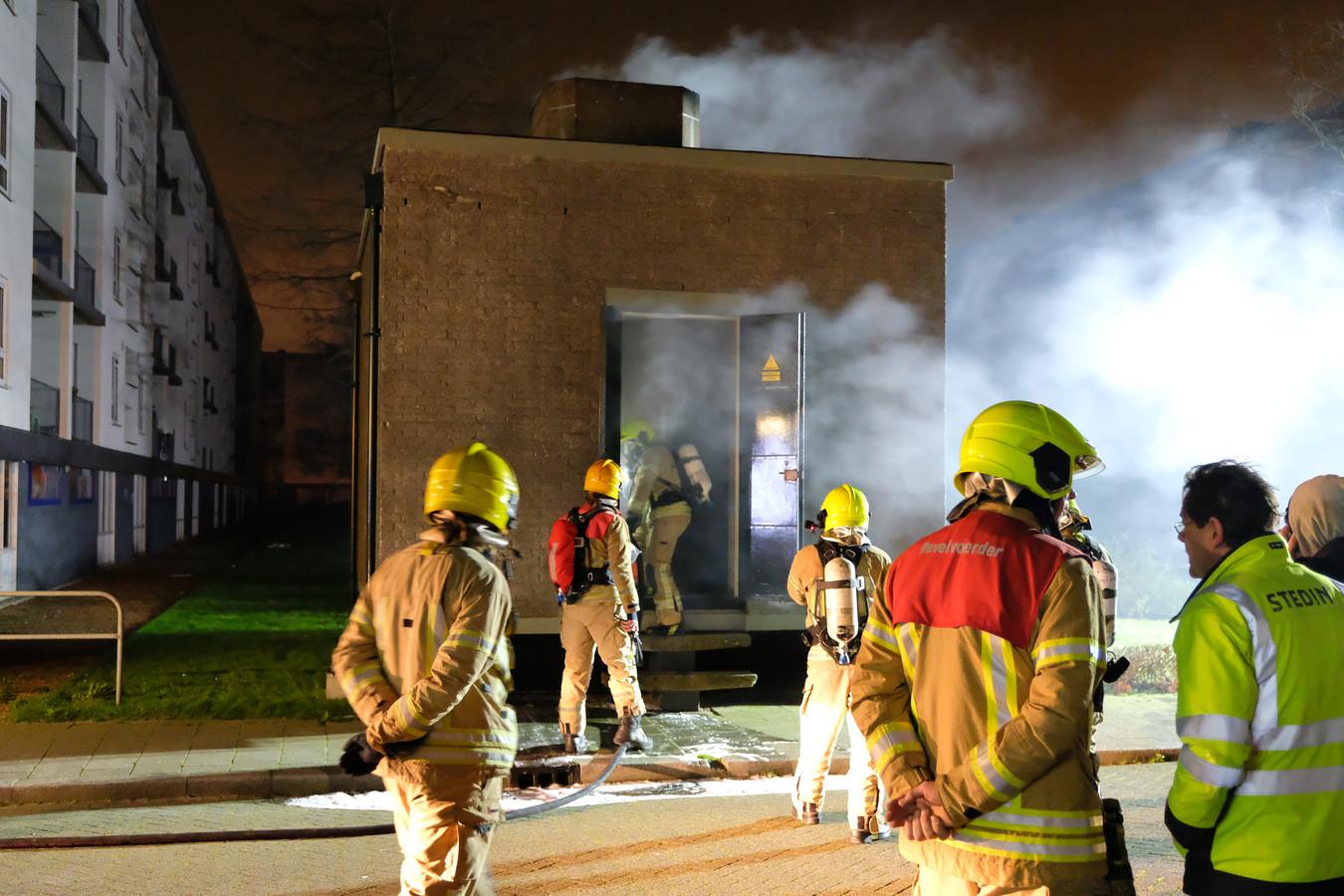 De brand in het transformatorhuisje legde de stroom van meer dan 2200 huishoudens plat.