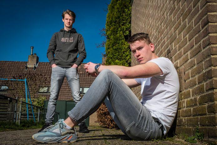 Geen eindexamen voor vwo 6-leerlingen Nol Braam (19) en Ties van Leeuwen (18) uit Heerde: beide jongens balen.