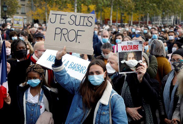 Solidariteitsbetuiging met de vermoorde Franse leraar Samuel Paty in Parijs.