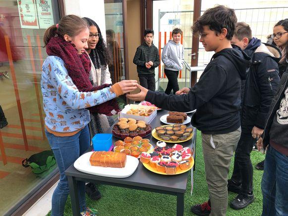 Cakeverkoop Stedelijk Lyceum Meir