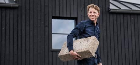 Weerman Gerrit Hiemstra moest z'n poot stijf houden voor een duurzaam droomhuis