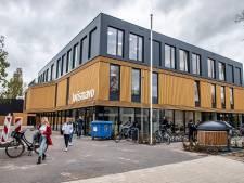 Nieuwe Jorismavo heeft een bamboe interieur: 'Fotogeniek gebouw hè?'