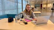 Eerst koorts laten meten, dan pas aan het werk: studenten blokken in leegstaande zaal verlichtingsbedrijf