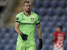 Dégagement manqué: l'autobut douloureux du portier de Leverkusen