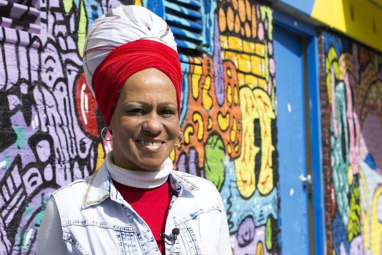Yvette Dorsiel wordt de 'Linda de Mol' van Zuidoost genoemd. Zij is een lokale bekendheid en gaat zich toeleggen op de Caraïbische keuken. Beeld Iris Boxum