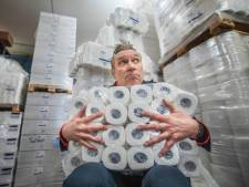 Cadeautje van Sjaak Bral voor Haagse thuisblijvers: 'Geniet nog één keer van mijn show'