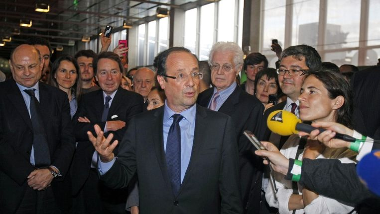 François Hollande (c). Beeld reuters