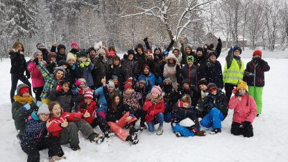 Leerlingen Vrije Basisschool Opstal op de skilatten
