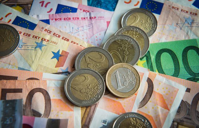 De gemeenten Altena, Molenlanden en Vijfheerenlanden keerden in 2019 in totaal 900.000 euro uit aan oud-bestuurders.