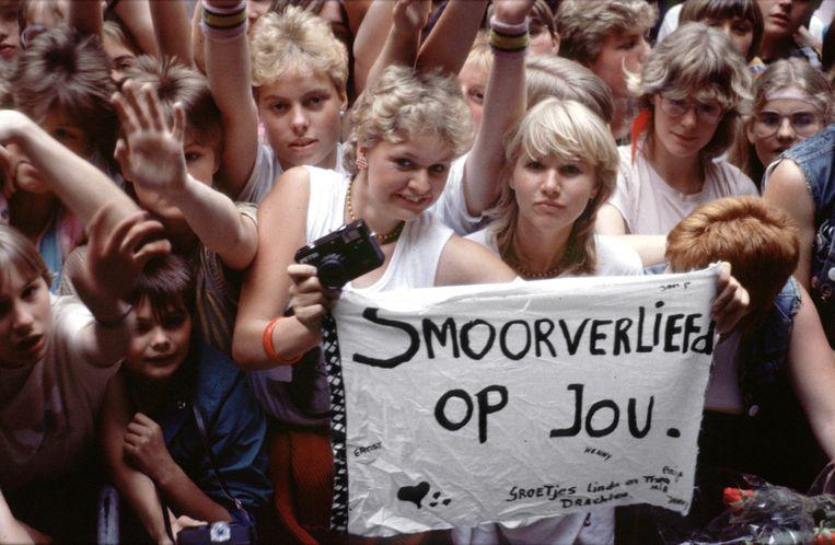 Fans bij een optreden van Doe Maar in 1983. Beeld Foto Jan Bogaerts/Hollandse Hoogte