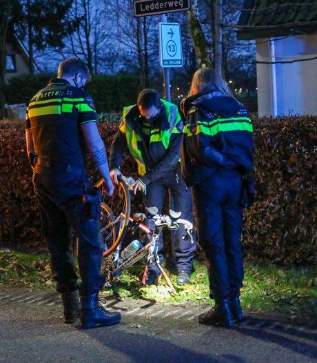Automobilist ziet wielrenner over het hoofd in Epe, fietser gewond naar ziekenhuis