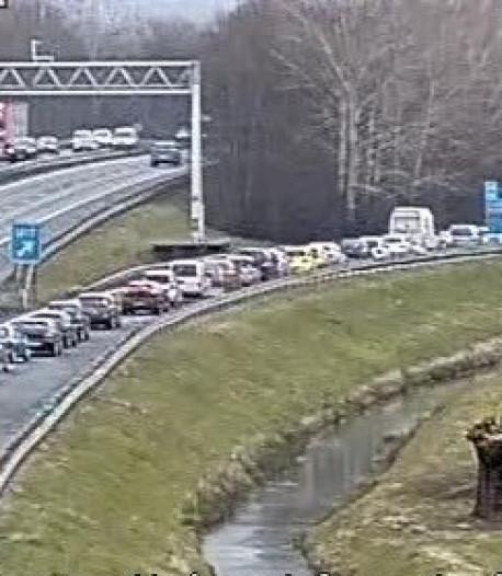 Fileleed van Duitse grens naar Arnhem bijna voorbij: de weg is weer vrij