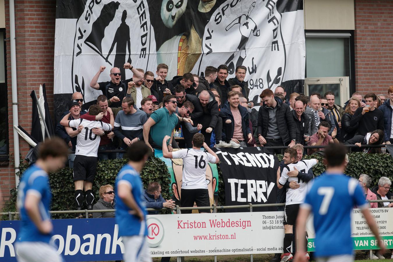 Eefde neemt het zaterdag in 3A op tegen FC Zutphen. Het is een van de vele derby's die komend weekend gespeeld gaan worden.