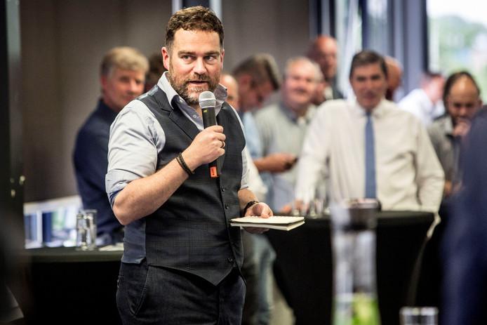 Klaas Dijkhoff on tour bij een VVD bijeenkomst