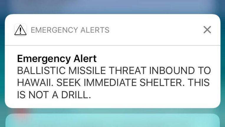 Dit alarm kregen mensen op Hawaii op hun telefoon te zien. Beeld reuters