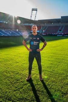 Anthony van den Hurk (27) staat in Zweden nog dagelijks op het voetbalveld: 'Ergens voelt het gek'