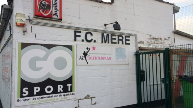 """FC Mere annuleert alle trainingen en wedstrijden: """"Risico voor spelers, trainers en hun familie wordt te groot"""""""