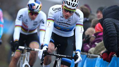 Van der Poel met nummer 100, terwijl Van Aert crost in... Bretagne