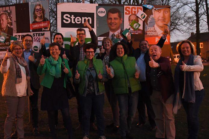 Het CDA is in Sint Anthonis de grootste partij. Het bestuur en de raadsleden zijn blij met dit mooie resultaat. Foto: Ed van Alem