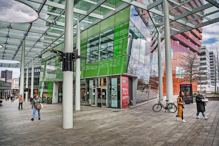 De economie rondom nieuwbouwstad Almere is net als de regio-Delfzijl het minst gekrompen: minder dan 6 procent. dit komt mogelijk door de zwakke vertegenwoordiging van de 'preteconomie' – horeca en cultuur.  Beeld Guus Dubbelman / de Volkskrant