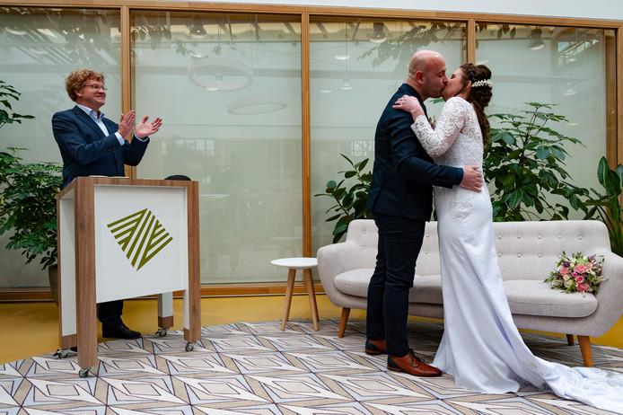 Ruby van Eekeren en Willy-Jan Peters trouwen op 20-02-2020.