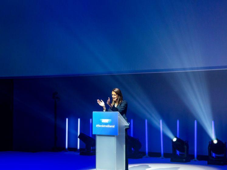"""Standing ovation"" pour Sophie Wilmès"