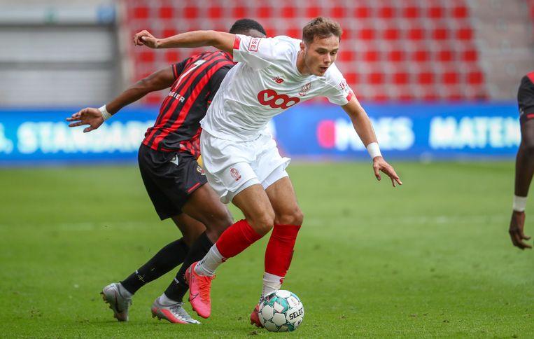 Zinho Vanheusden draagt vanaf dit seizoen de aanvoerdersband bij Standard.
